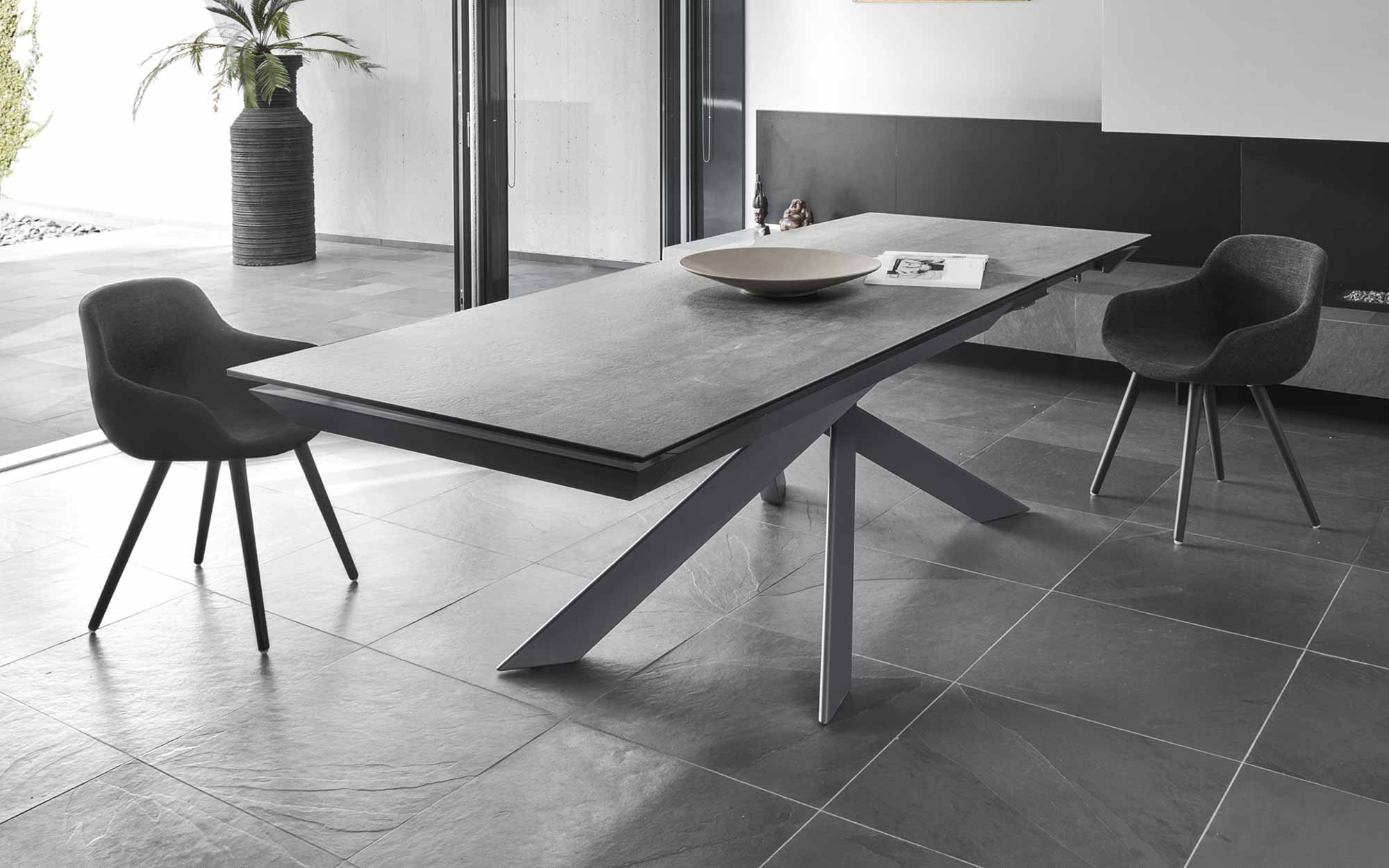 Extending table Eclisse  from Calligaris in Màxim Confort Mallorca